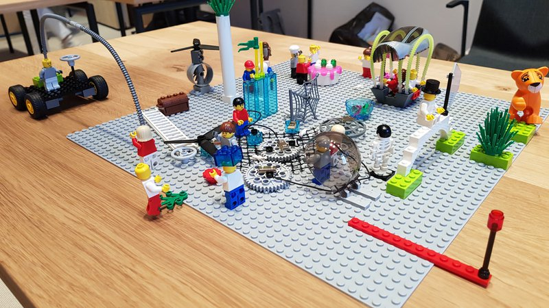 ambuzzador_blog_leading-digital-innovation-and-tranformation_lego_modell.jpg
